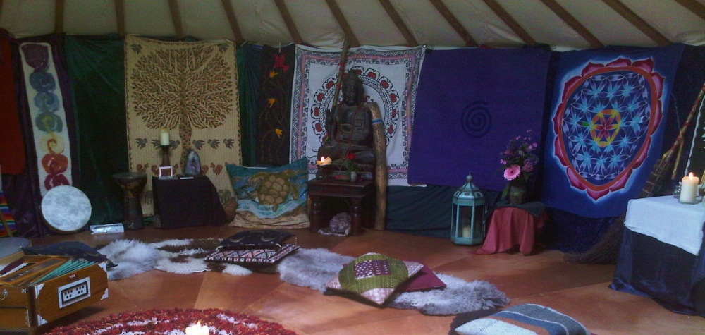 yurt_temple